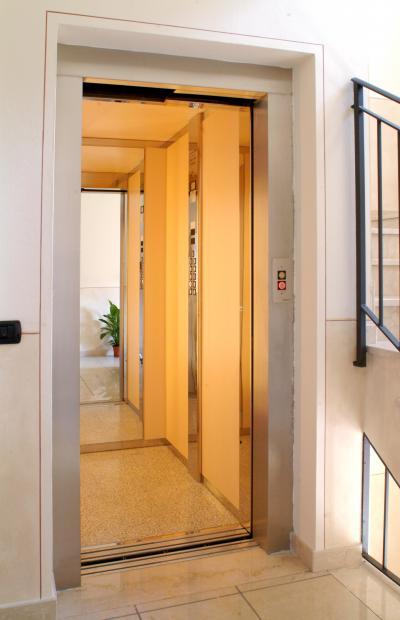 Cabine per ascensori e ascensori in vetro for Cabine per laghi